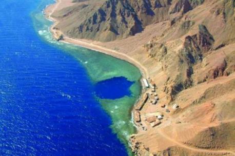 the-famous-blue-hole